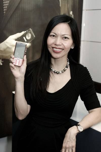Ulysse Nardin's Chai Schnyder Honored with SCI Smart Phone