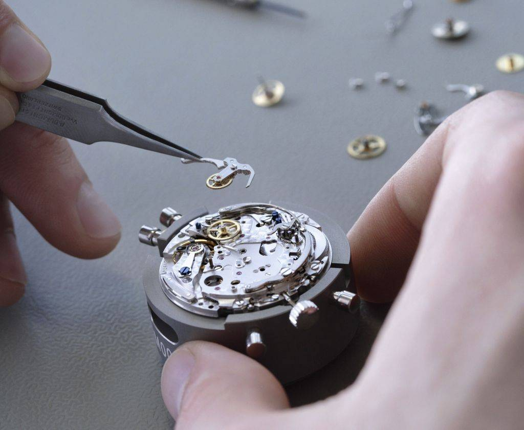 Watchmakers Struggle With Supply Bottleneck As Swatch Parts Cut-Off Comes Into Effect