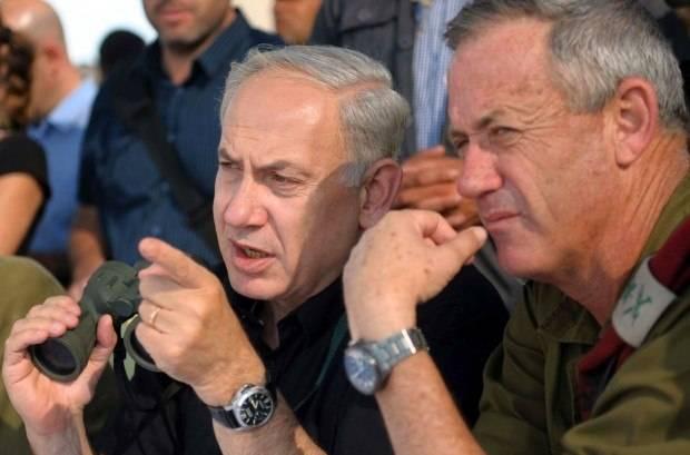 Prime Minister Benjamin Netanyahu  wearing a Panerai PAM 48