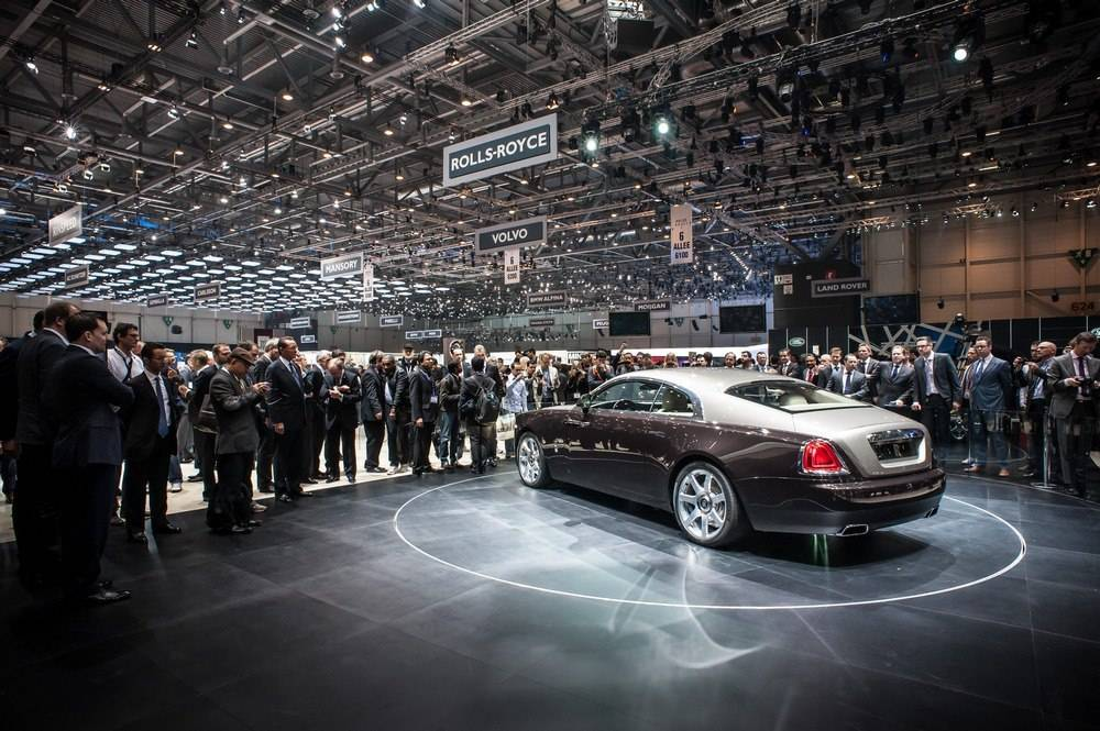 Rolls Royce CEO Torsten Müller-Ötvös Shows Us the New Wraith