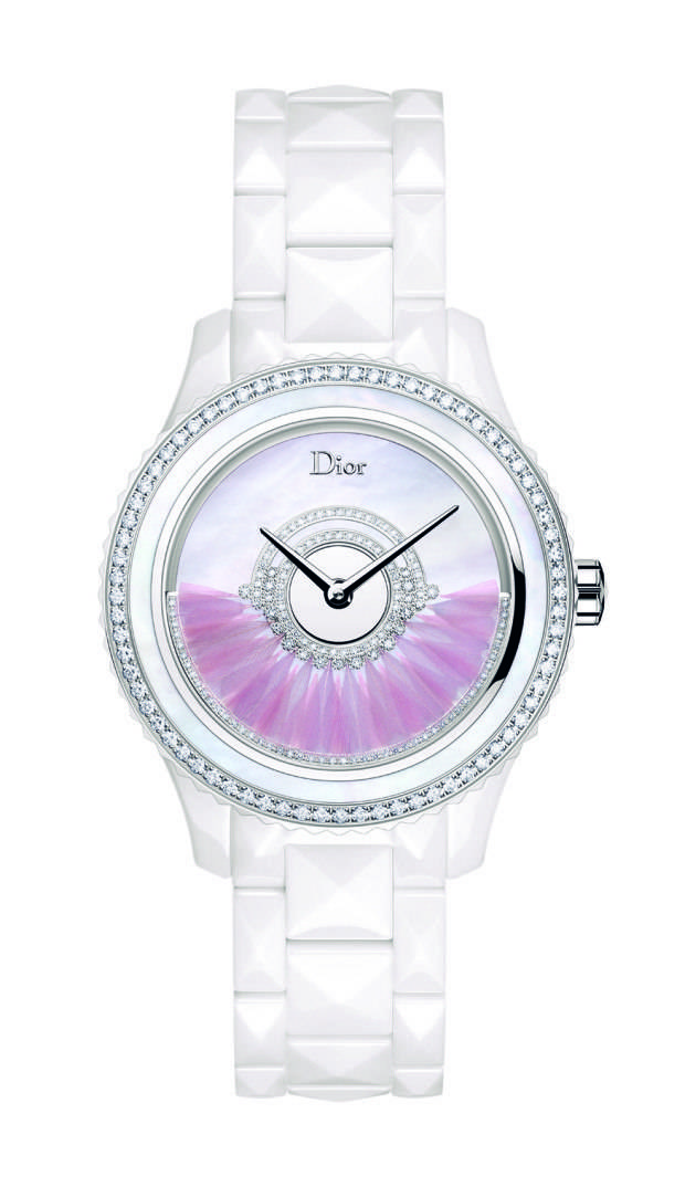 The rotor of the Dior VIII Grand Bal Plume is set with feathers.