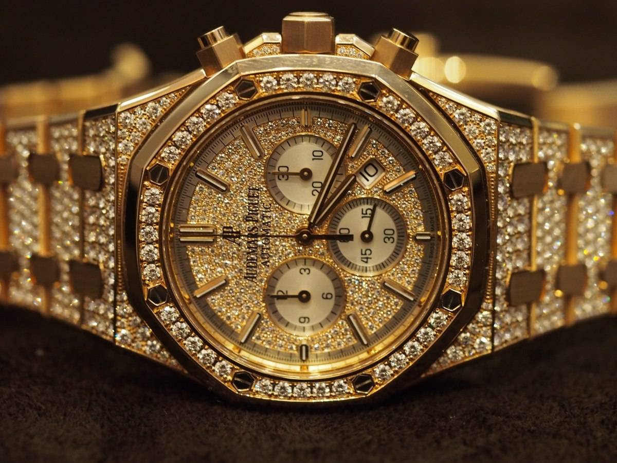 Haute Woman: Hands-On With The Audemars Piguet Royal Oak Chronograph 41mm