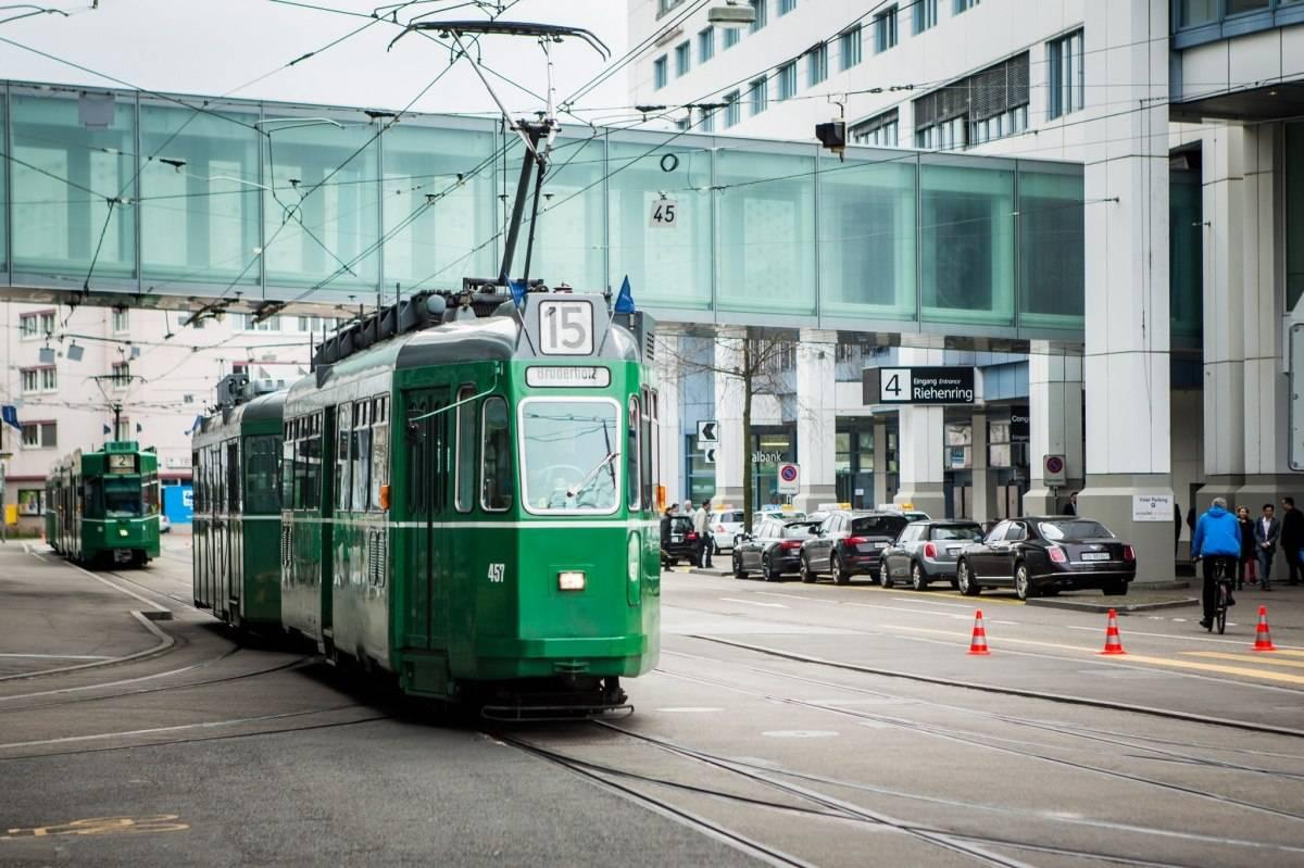 Baselworld 2015 tram line 15 basel