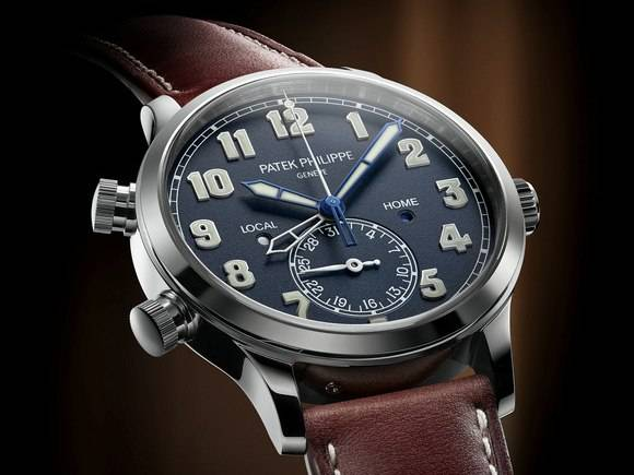 Patek Philippe 5524G Calatrava Pilot Travel Time Face