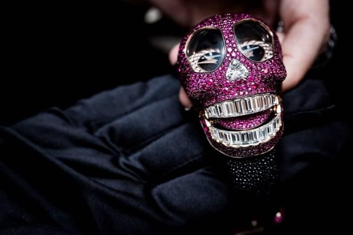 De Grisogono Crazy Skull Pink Watch Baselworld 2015 Tongue