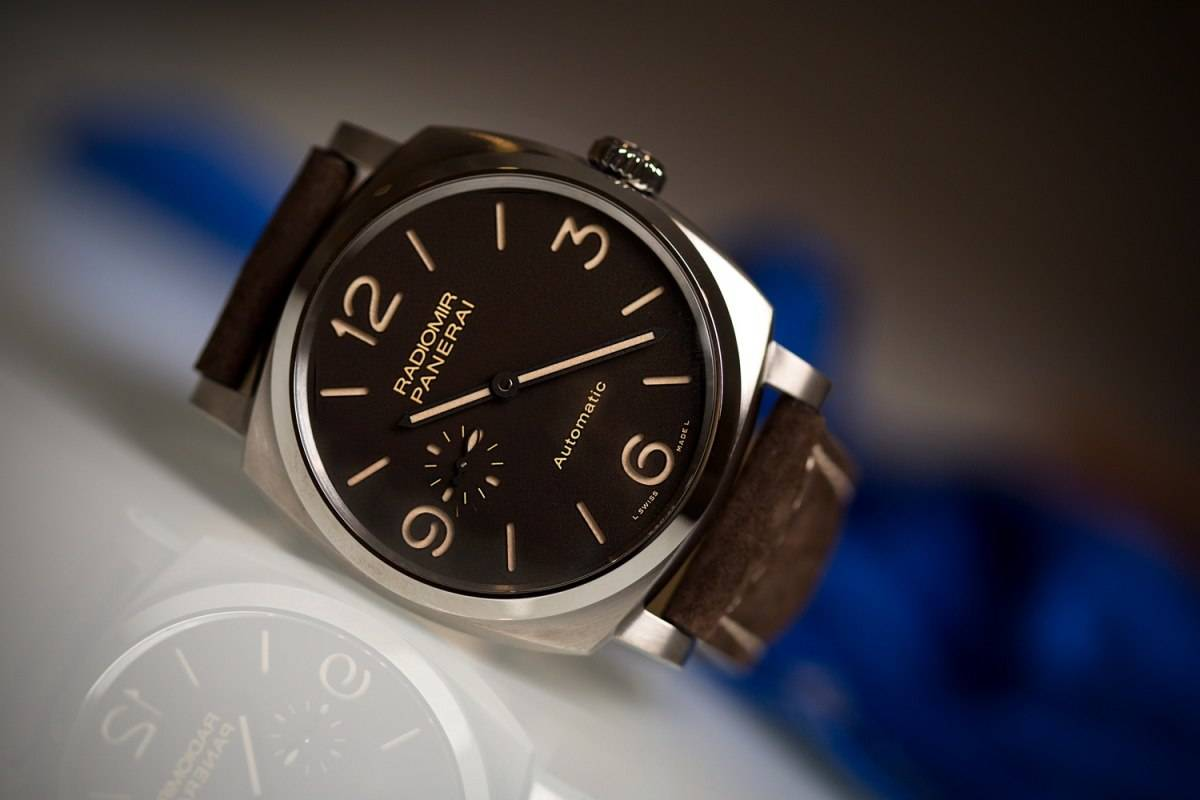 Officine Panerai Radiomir 1940 3 Days Automatic Titanio PAM00619 Watch Front