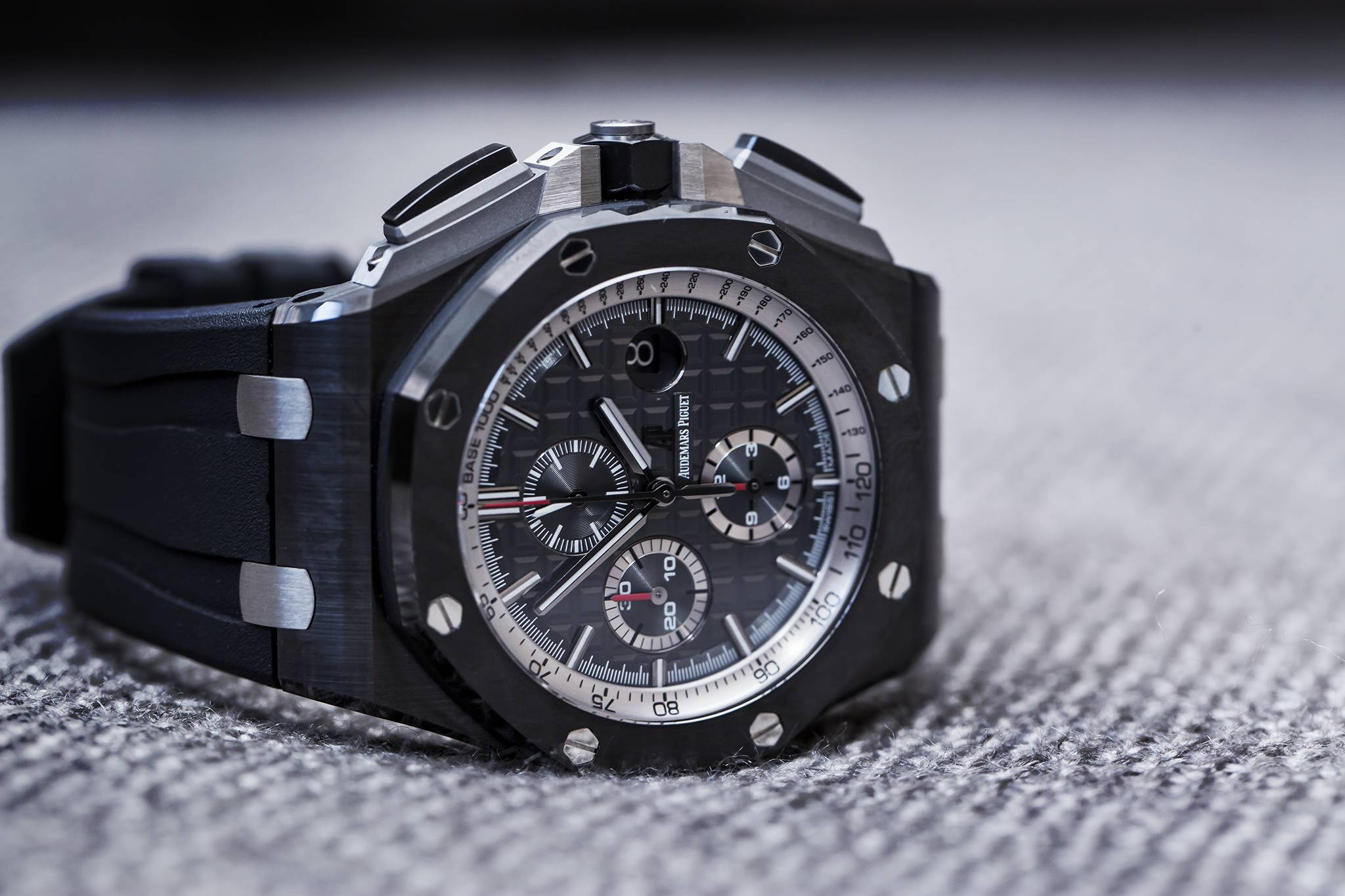 Audemars piguet royal oak offshore black ceramic 44mm for Royal oak offshore ceramic