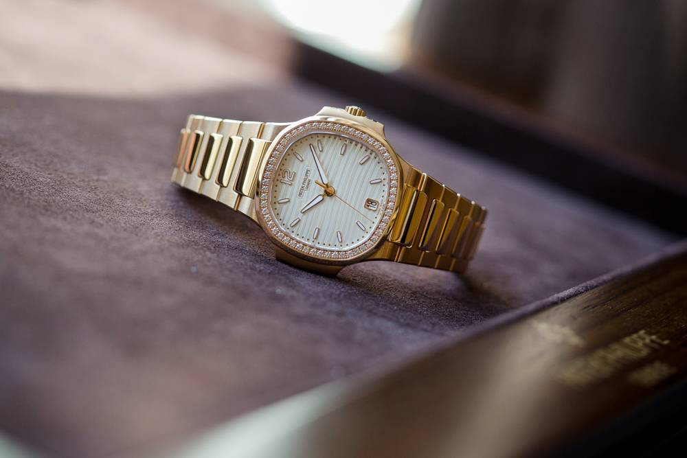 Patek Philippe Nautilus Ladies Automatic Ref 7118 Diamonds Rose Gold