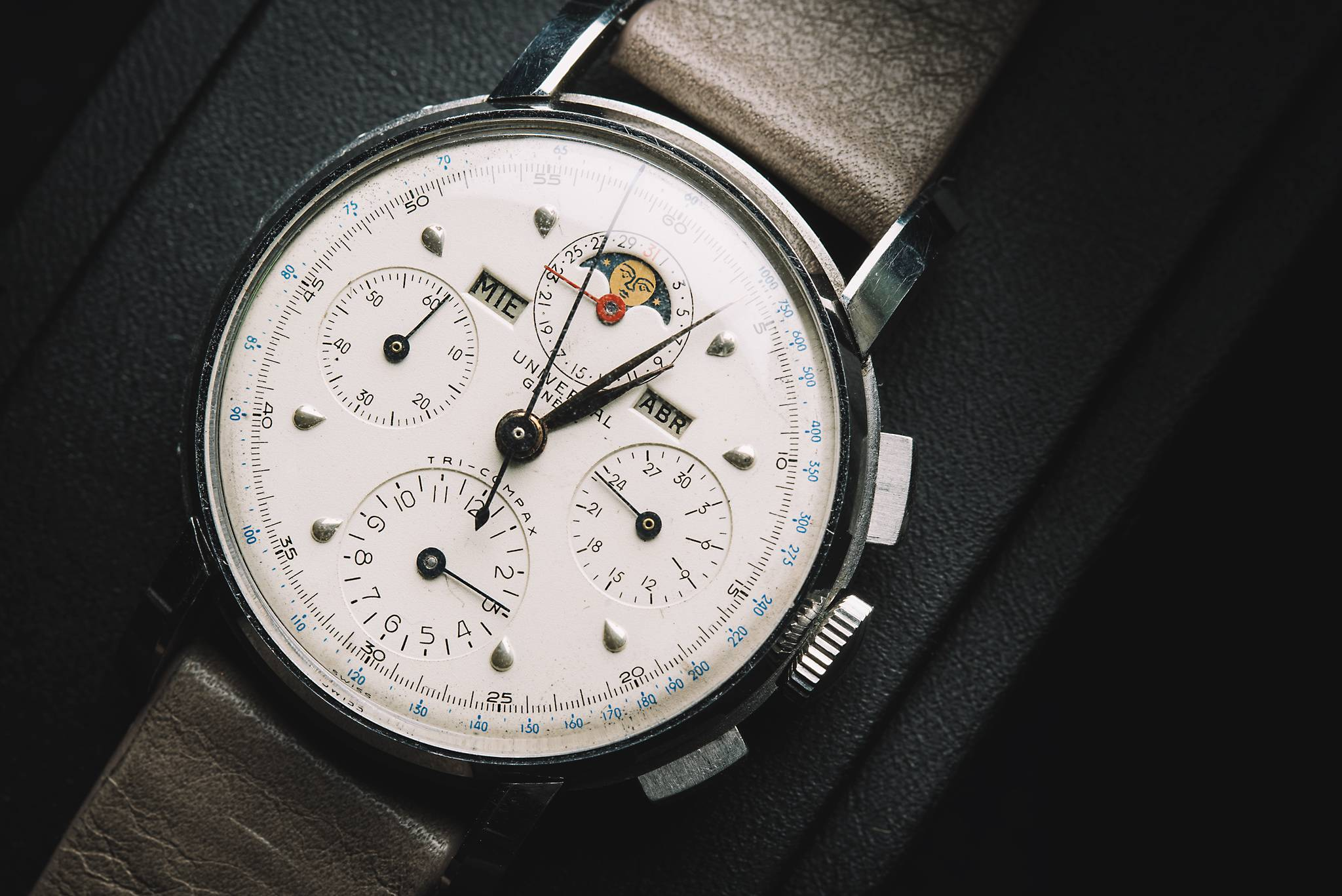 Universal Tri-Compax, 22541, Stainless steel, 1945 Dial