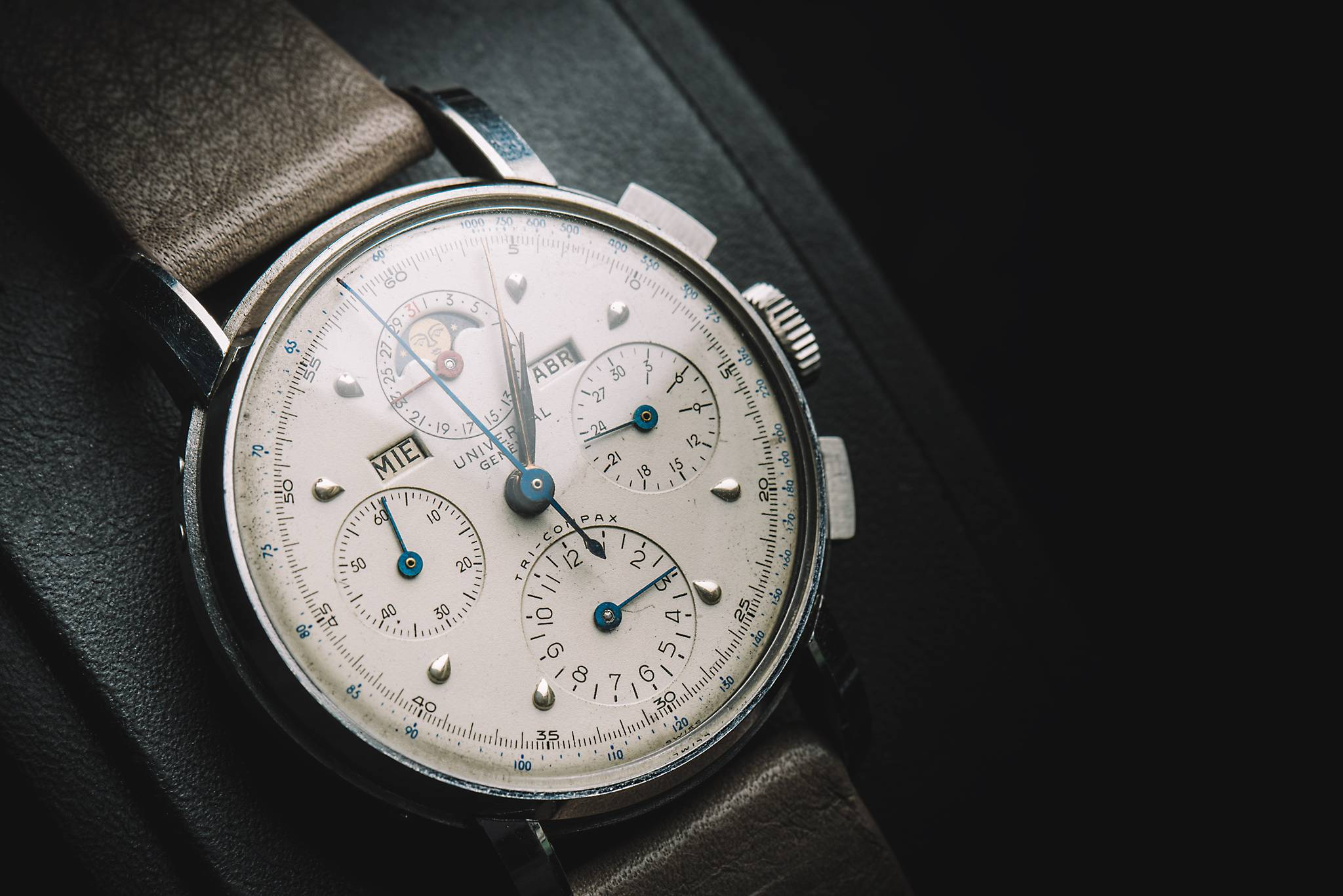 Universal Tri-Compax, 22541, Stainless steel, 1945 Side
