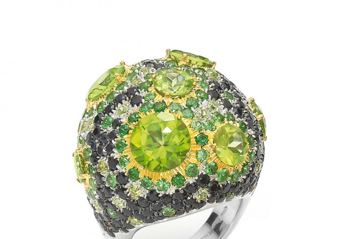 Roberto Coin Haute Couture cocktail ring in 18K white gold with white diamonds, black sapphires, green garnet and peridot