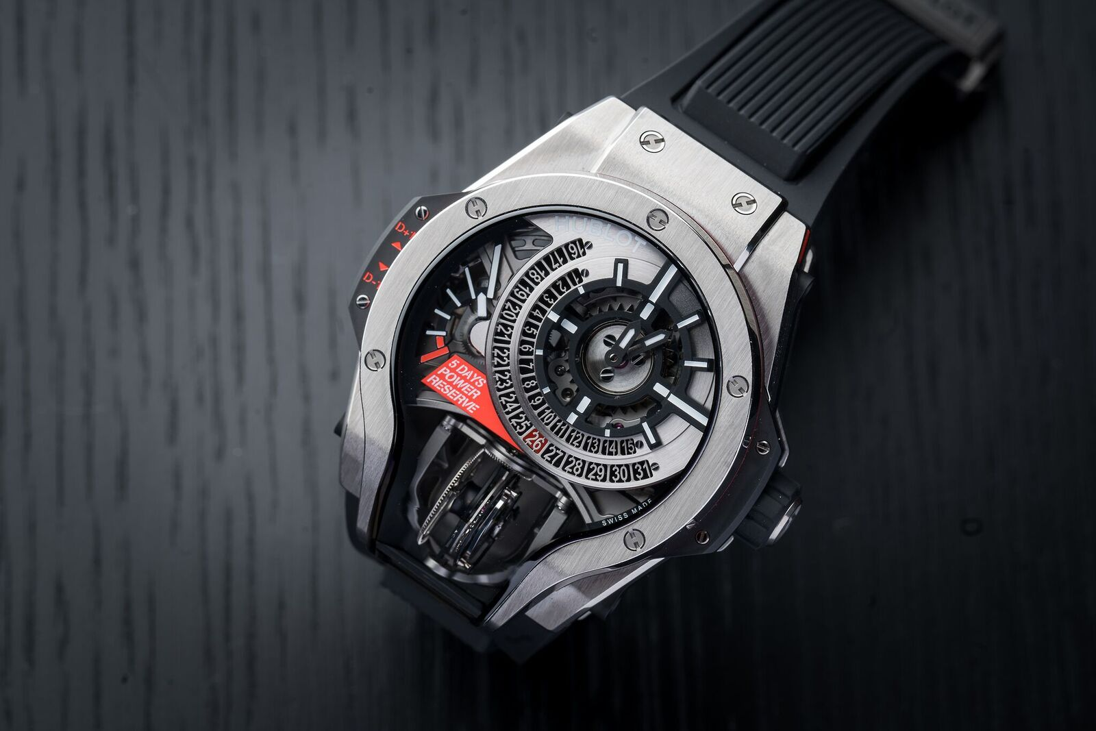 With the Hublot MP-09 Tourbillon Bi-Axis the multi-axis tourbillon is perfectly integrated in the overall design of the watch.