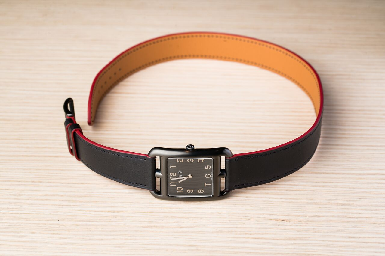 """Hermes Cape Cod, now also available with black PVD case and matching """"Double Tour"""" strap"""