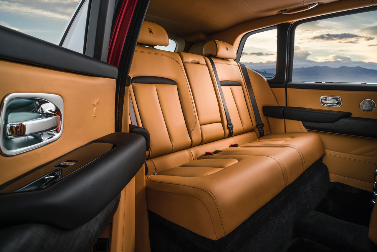 Cullinan Magma Red Interior (1)