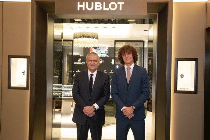 Ricardo Guadalupe and David Luiz in front of the Hublot Boutique at Harrods / Photo Credit: Hublot