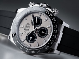 Claim Their Game! The Best Men's Watches For Women