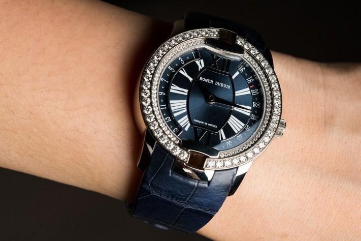 Roger Dubuis Velvet: Haute Horlogerie With A Feminine Touch