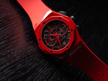 Four Watches That Perfectly Complement The Colors Of Christmas