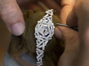 Graff Stitches With Diamond Thread