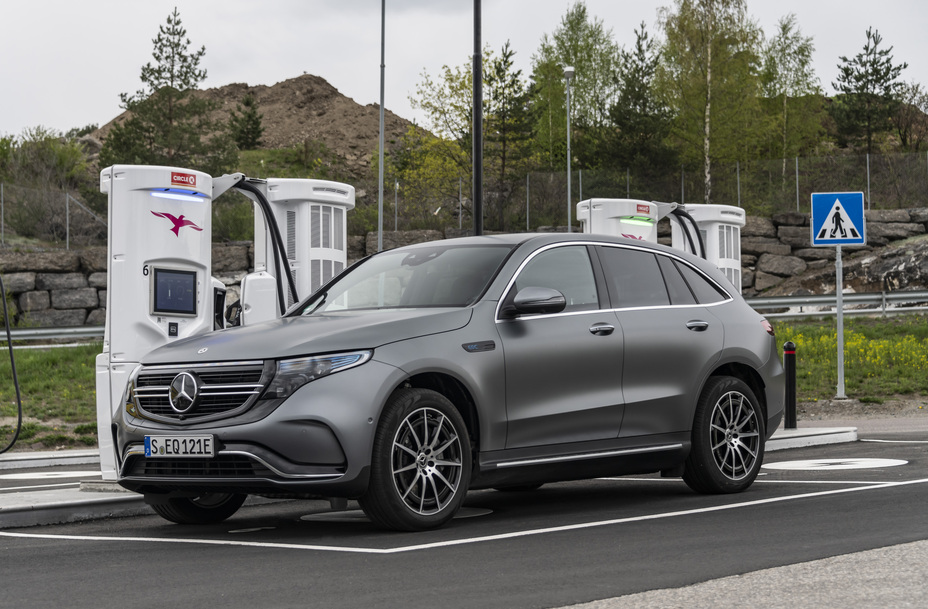 New Mercedes Benz >> First Fully Electric Mercedes-Benz EQC Coming In Early 2020