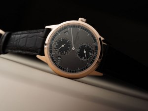 5235/50R; Patek Philippe's Annual Calendar That Dares To Be Different