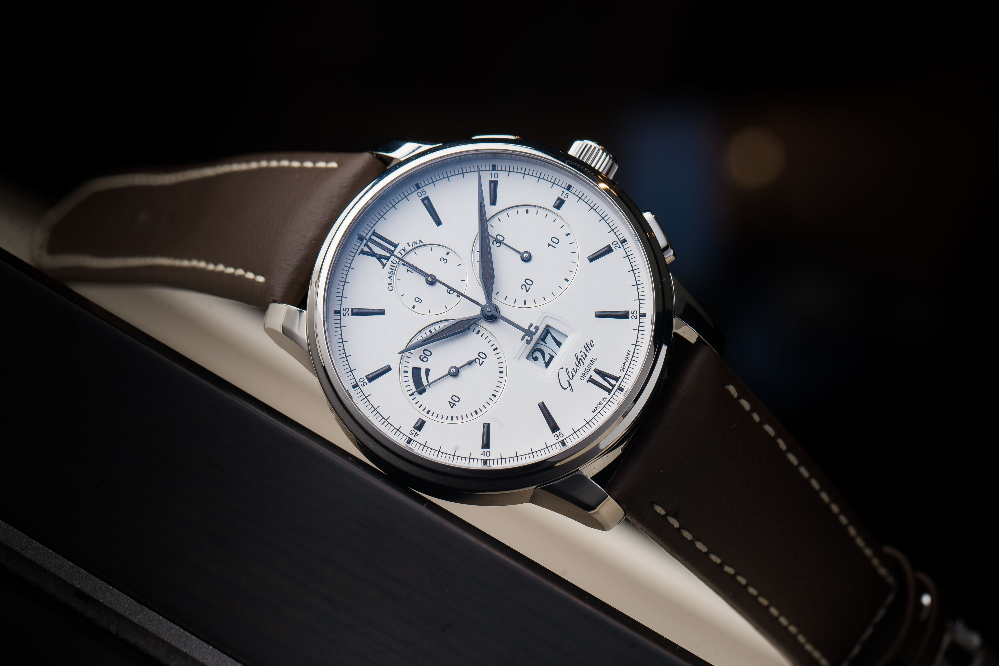Glashütte Original Senator Chronograph Panorama Date: Exploring The Sportive Side Of Tradition